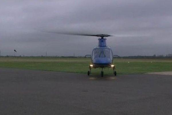 Arrivé en hélico, l'ancien pilote anglais souhaite accélérer dans le dossier du circuit de Laon.