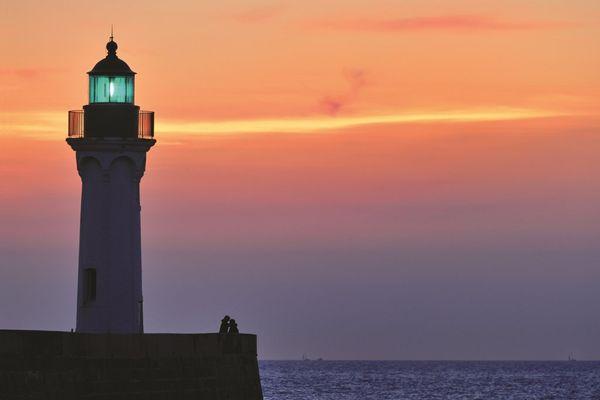 Côté phare, au soleil couchant.