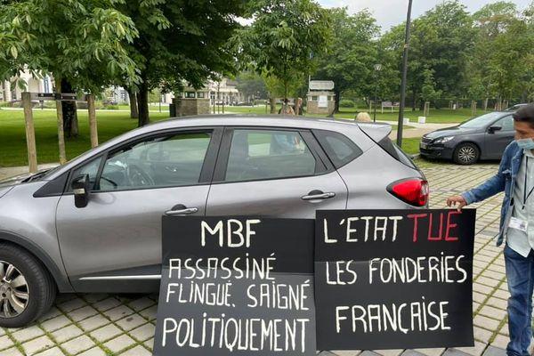 Quatre autres salariés MBF se sont déplacés à Lens pour rencontrer Agnès Pannier-Runacher, ministre déléguée auprès du ministre de l'Économie et des Finances.