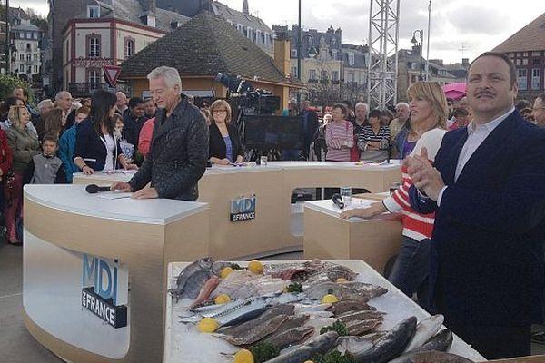 Laurent Boyer et ses chroniqueurs à Trouville pour l'émission Midi en France, 15 avril 2013