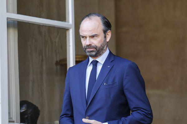Le Premier ministre Edouard Philippe, à l'entrée de l'hôtel Matignon, à Paris.
