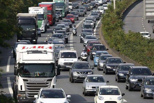 L'autoroute A6 lors des départs en vacances