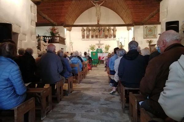 La messe d'unité et de fraternité entre les religions en la chapelle des Sept Saints au Vieux Marché près de Lannion