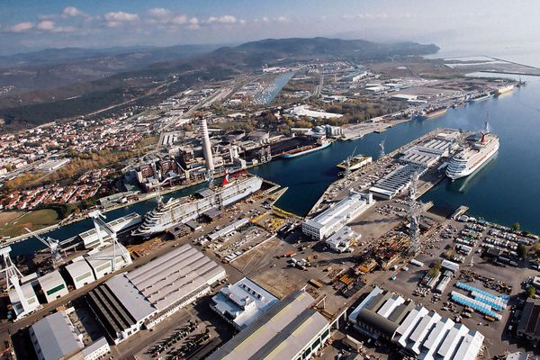Le site de Monfalcone est un des chantiers du groupe italien Fincantieri détenu à 70% par l'état italien