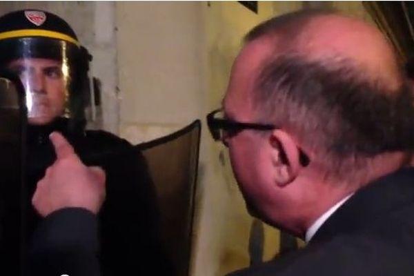 Damien Meslot, député UMP, empêché de rentrer à l'Assemblée Nationale en marge de la manif pour tous du 16 avril 2013