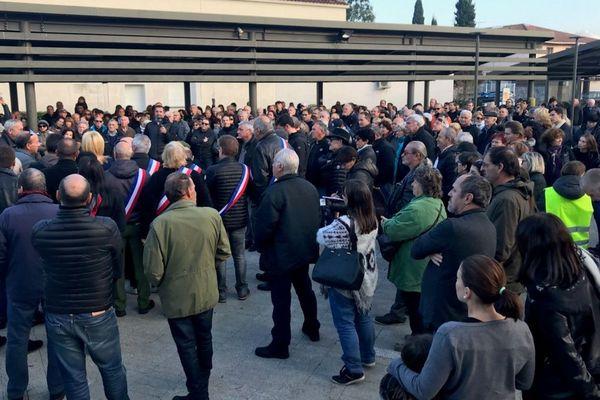 300 personnes se sont réunies à Prunelli-di-Fium'Orbu contre le déblocage du centre d'enfouissement.