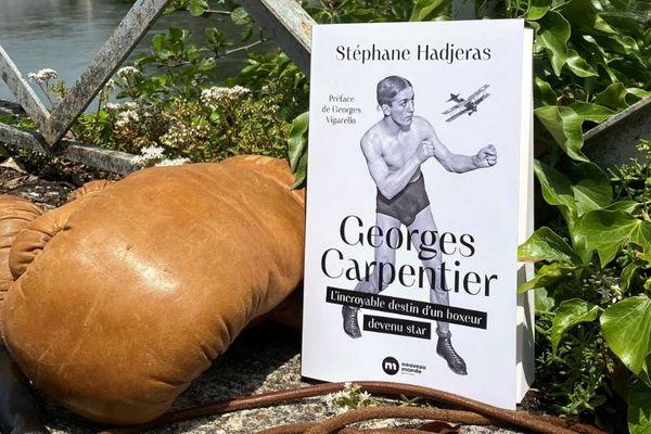 Démobilisé en 1919, Georges Carpentier reprend le chemin des rings et entame en 1929 une tournée américaine où il devient un héros d'Hollywood.