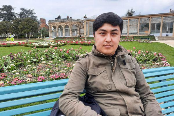 Elyaas Ehsas, 27 ans, journaliste aghan. Il vit aujourd'hui à Rennes.