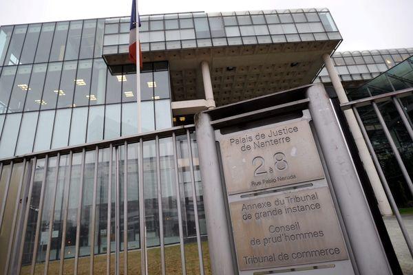300 personnes qui étaient présents dans le tribunal de Nanterre ont été évacuées.
