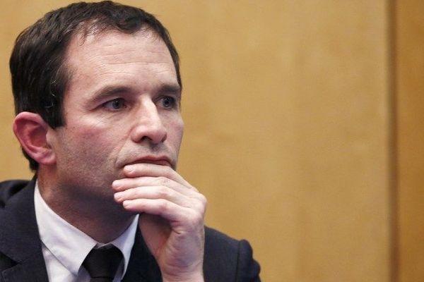 Benoît Hamon ministre délégué à la consommation