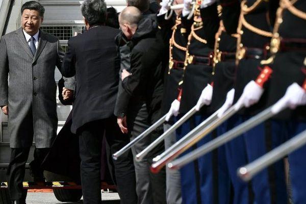 Arrivée de Xi Jinping, le président chinois, à l'aéroport Roissy - Charles de Gaulle.
