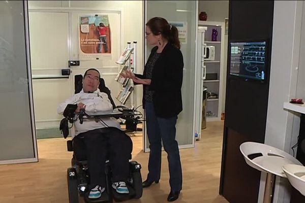 Frédéric Vella est handicapé moteur et chercheur au CNRS. Il a activement participé à l'élaboration de sa maison intelligente.