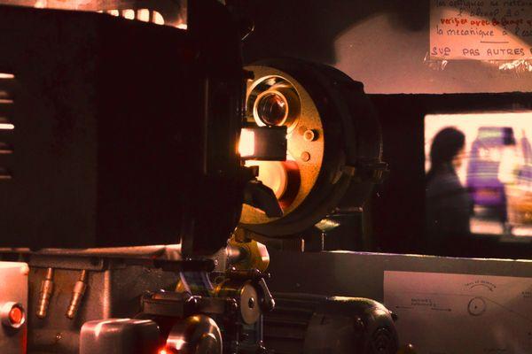 La cabine de projection du cinéma Le Bonne Garde à Nantes