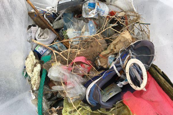 Déchets ramassés sur la plage de Préfailles (44), le 19 septembre 2020