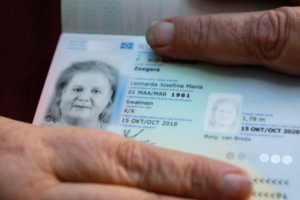 La mention du sexe sera supprimée des nouvelles cartes d'identité néerlandaises d'ici 4 à 5 ans.