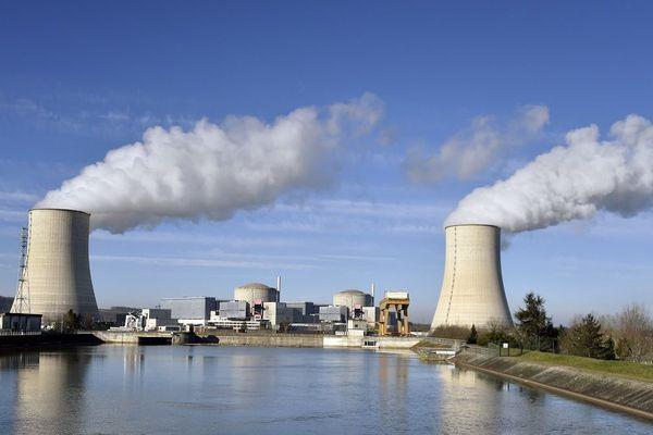 Les deux réacteurs de la centrale nucléaire de Golfech dans le Tarn-et-Garonne.