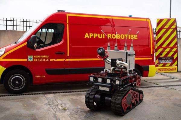 Marius, l'un des deux robots anti coronavirus du Bataillon des marins pompiers de Marseille.