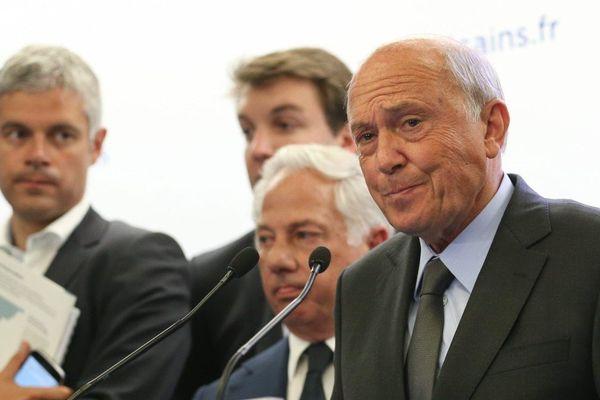 ARCHIVES - José Rossi tête de liste de Haute-Corse lors de la conférence de presse pour les régionales du parti Les Républicains (juin 2015)