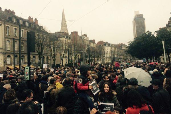 Le Cour des 50 Otages à Nantes le 10 janvier 2015 vers 14h30, 30 000 ? 40 000 Charlie ?