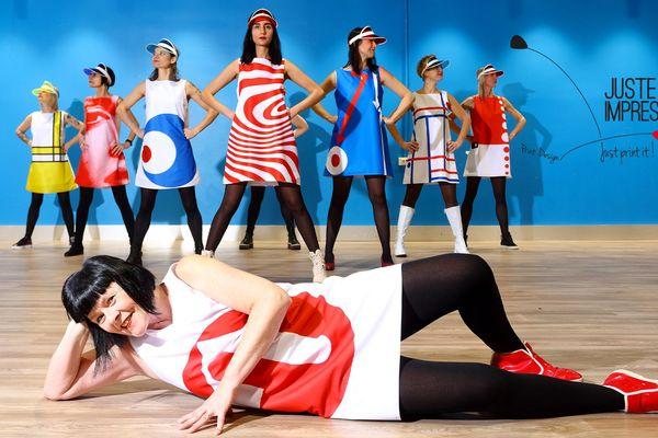 """""""Juste une impression"""" habille toutes les hôtesses de la 13ème édition de Lille Art Up, comme un rêve devenu réalité pour la créatrice lilloise Véronique Fournier."""
