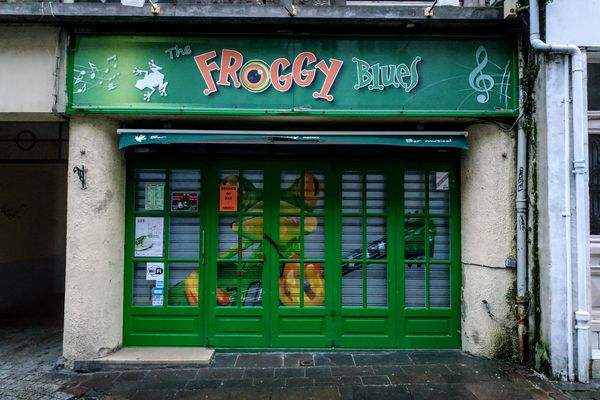 Le Froggy Blues, un des quatre bars de la rue de Lille, dans le quartier du vieux Boulogne.