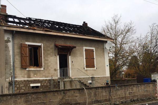 Un enfant de huit ans est mort dans l'incendie de la maison familiale à Montceau-les-Mines, en Saône-et-Loire, lundi 19 novembre 2018.