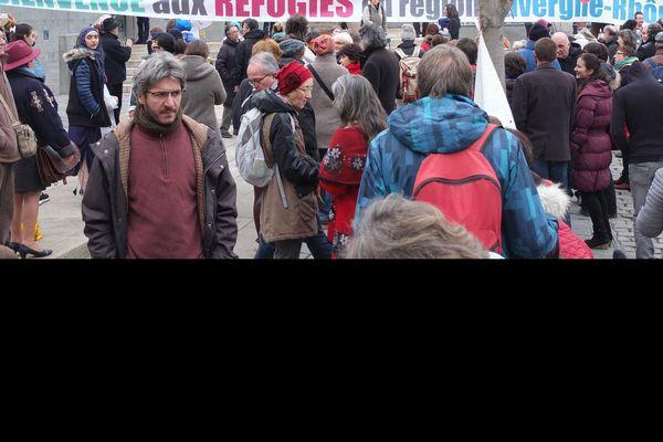 Des centaines de personnes sont venues pour demander la régularisation des familles de réfugiés du département