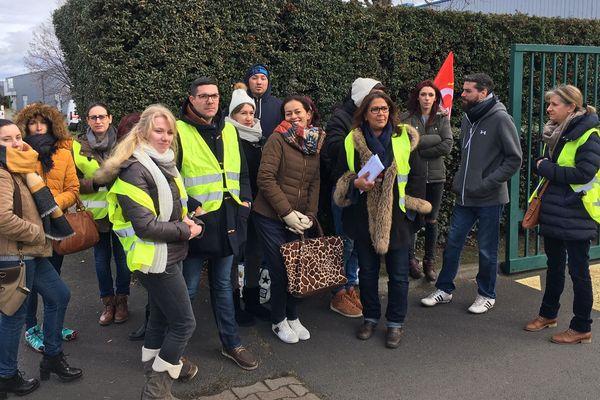 Une vingtaine de salariés de l'hôtel Novotel de Clermont-Ferrand a entamé jeudi 7 février un mouvement de grève illimitée.