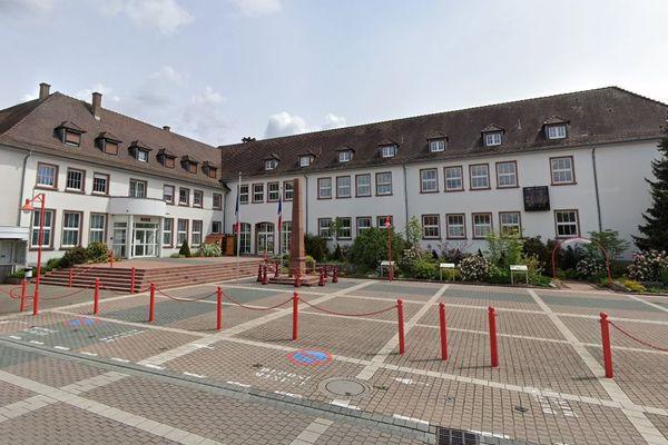 La marche doit partir de la mairie d'Oberhoffen-sur-Moder (Bas-Rhin).