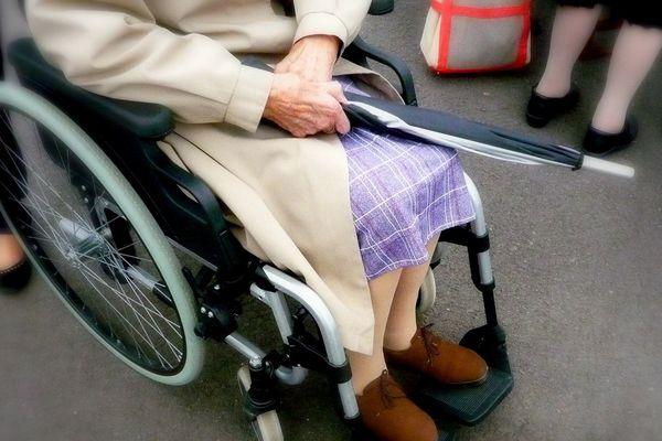 L'Association de l'Aide Familiale Populaire intervient notamment auprès des personnes âgées dépendantes.