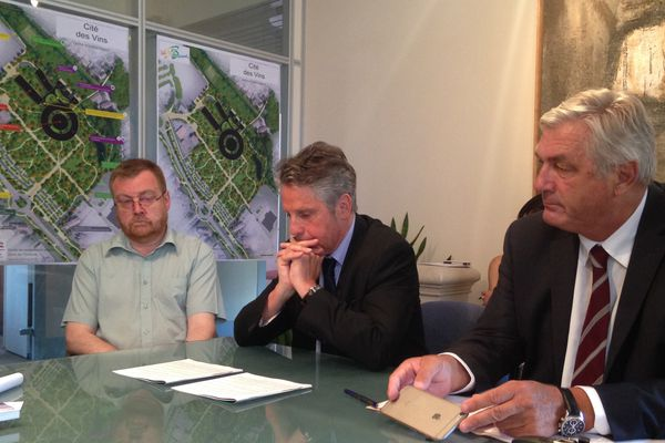 F.Sauvadet (UDI) (à d.), président du Conseil Départemental de Côte-d'Or, et Alain Suguenot (LR), (à g.) député-maire de Beaune