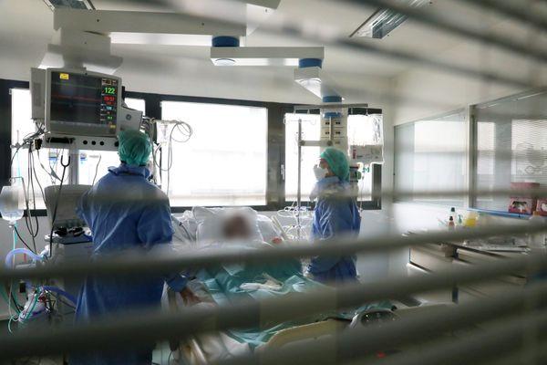 Image d'illustration d'un service de réanimation à l'hôpital pendant la crise de la Covid-19.