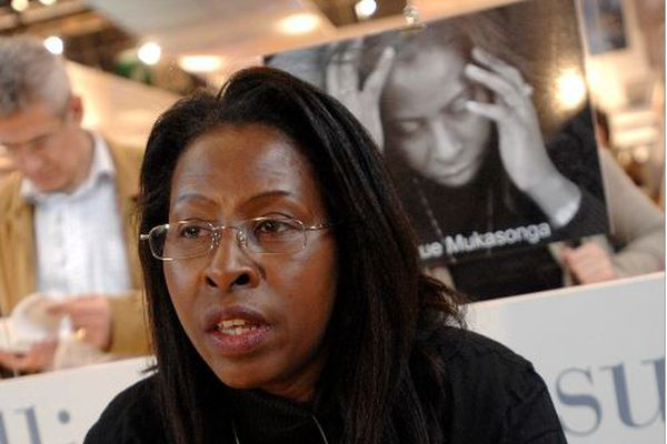 Assistante sociale à Caen et écrivaine, prix Renaudot 2012, Scholastique Mukasonga devient ambassadrice de la cause des femmes avec le Prix Simone de Beauvoir 202& pour la liberté des femmes