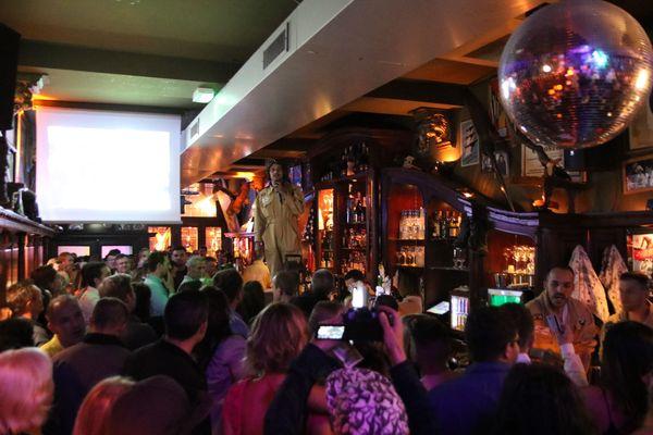 Du monde pour la fête des 35 ans du bar