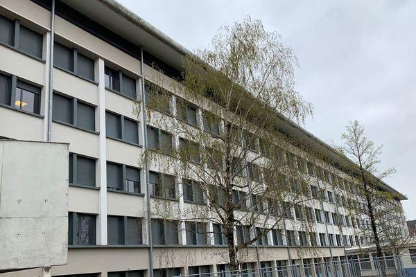 L'internat du lycée Renoir de Limoges accueille depuis quelques jours des soignants au contact de malades du coronavirus