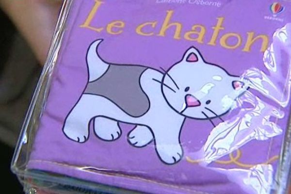 Le syndicat des orthophonistes de Haute-Loire distribue pour la 4ème année des livres aux jeunes parents dans les maternités afin de les sensibiliser à la lecture chez les tout petits.
