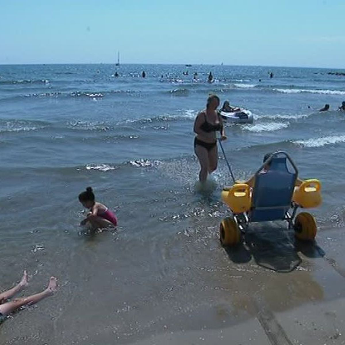 Le Grau Du Roi La Plage Du Boucanet Accessible Aux Handicapes