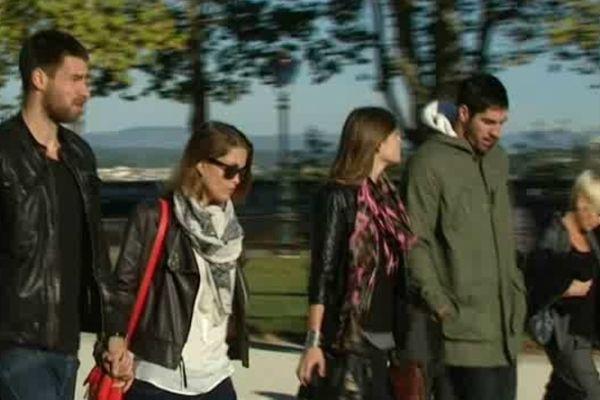 Montpellier - Nikola Karabatic, Luka, et leurs compagnes se rendent au palais de justice - 16 octobre 2012.