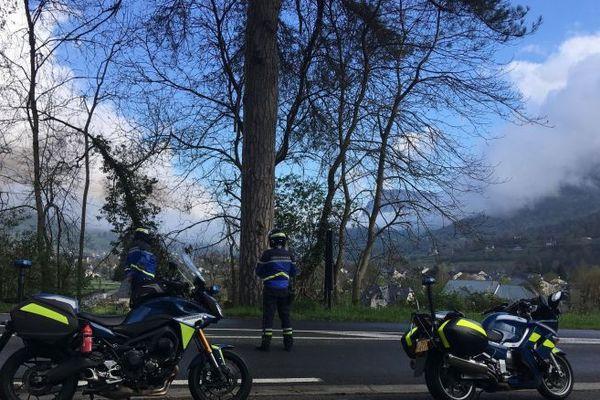 Les motards de la gendarmerie n'ont pas trop de problème pour le moment. Les habitants de la vallée d'Ossau respectent bien les règles du confinement.