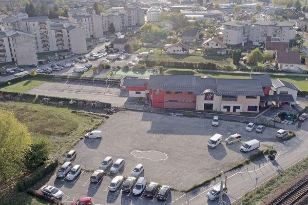 L'école pourrait être construite près de la mosquée de la CIMG, Confédération islamique Millî Görüs, à Albertville.