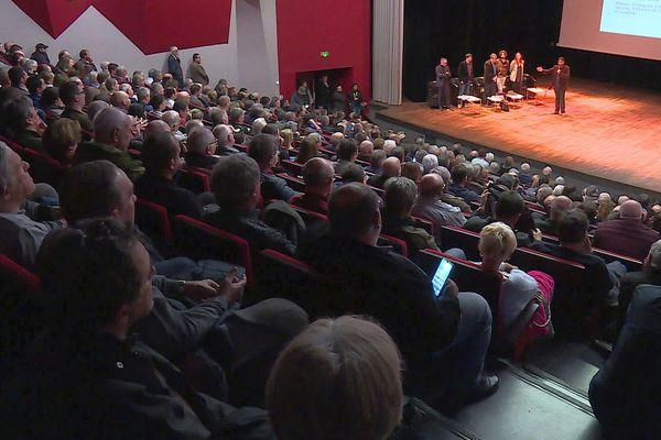 Fourques (Gard) - réunion des manadiers pour discuter de la hausse des primes de responsabilité civile des jeux taurins - 17 février 2020.