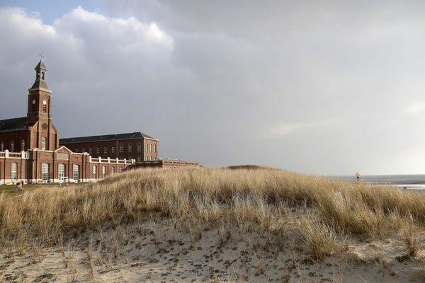 L'hôpital maritime de Berck a été construit en 1869, pour soigner les enfants atteints de scrofule, une maladie d'origine tuberculeuse.