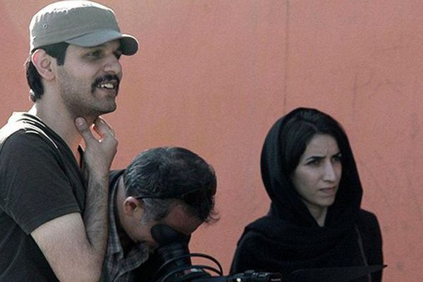 """Keywan Karimi, son cadreur Arasto Givi et l'assistante de réalisation Fateme Hafezi sur le tournage du documentaire """"Écrire sur la ville"""", tourné entre 2012 et 2015"""
