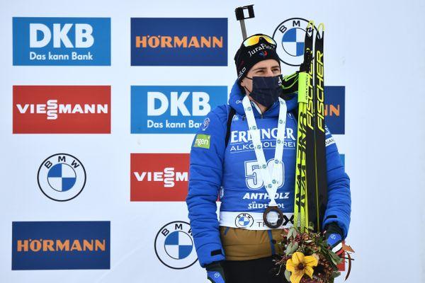 Le Jurassien grimpe sur la troisième marche du podium.