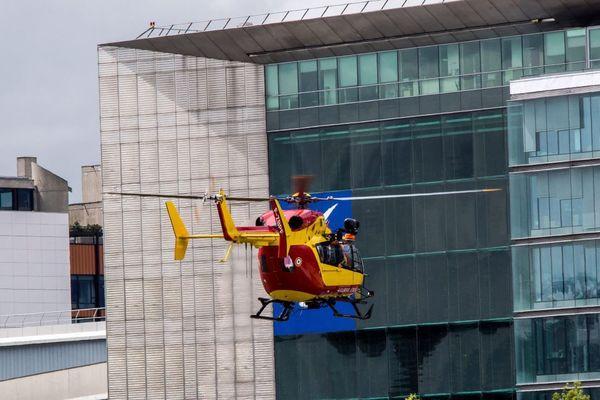 Un hélicoptère de la sécurité civile au décollage de l'héliport de Paris (illustration).