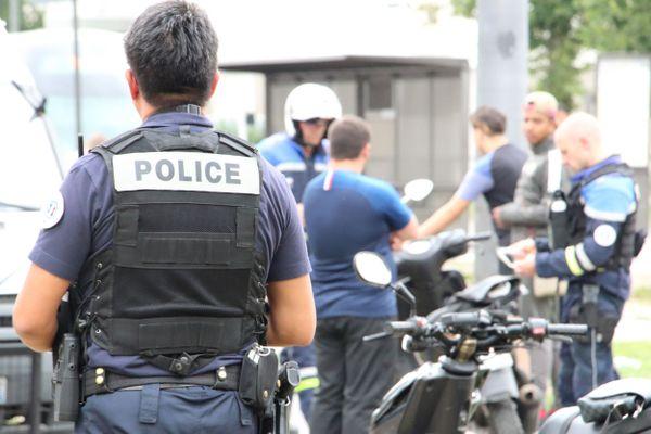 Intervention de la police lors d'un rodéo sauvage dans le quartier de l'Elsau, à Strasbourg.