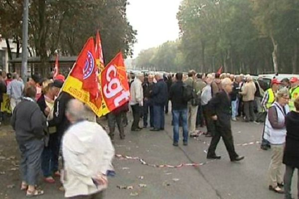 Les retraités dans les rues de Bourges.