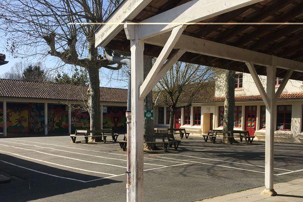 L'école élémentaire Gabriel Massias, à Quinsac, en Gironde.