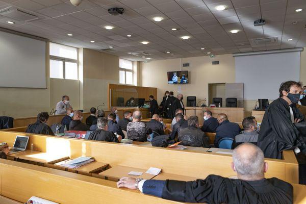 Sur les 18 prévenus, 16 comparaissent devant le tribunal correctionnel de Marseille.