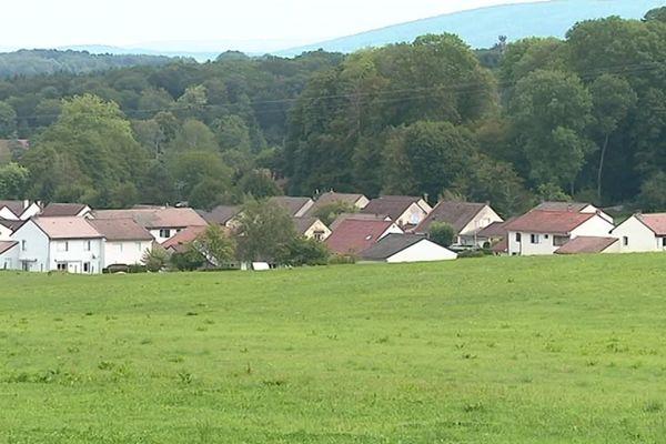 La commune de Devecey dans le Doubs ne veut plus de pesticides sur son territoire.